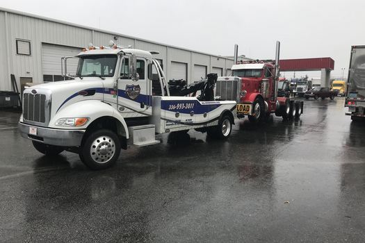 Truck Towing-in-Clemmons-North Carolina